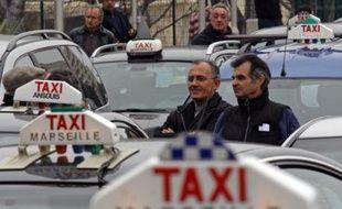 Opération escargot de taxis à Marseille le 30 janvier 2008