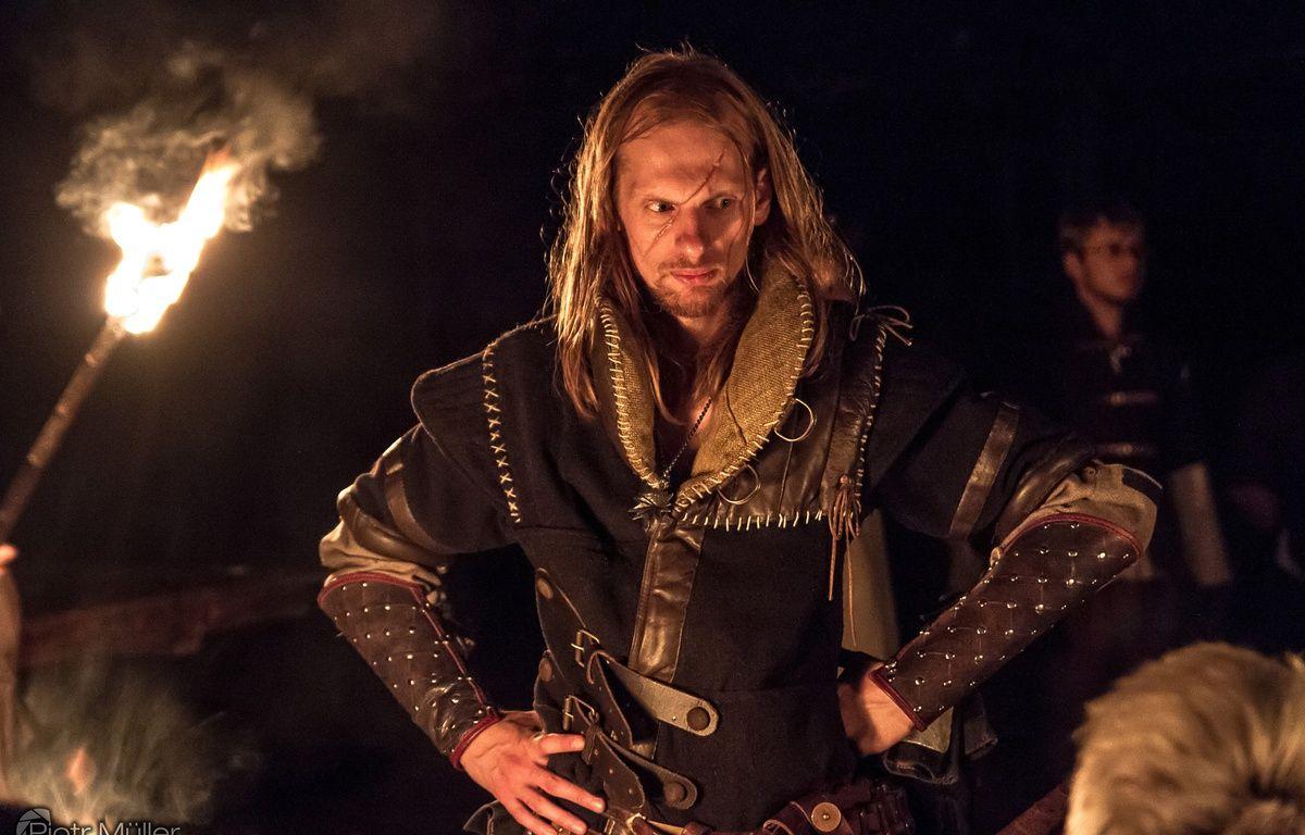 Trente-cinq acteurs, en général des vétérans de jeux de rôle, sont embauchés sur la witcher school, en tant que personnages non joueurs. – Piotr Muller