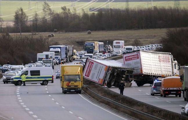 nouvel ordre mondial   Tempête David/Friederike: Neuf morts en Europe du Nord, les transports paralysés