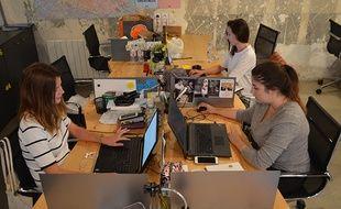 Les salariées de la start-up Oasis travaillent au Coworshop, dans le 10e arrondissement parisien.