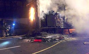La remorque du camion en feu
