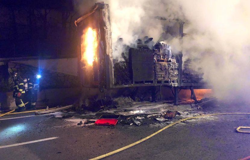 Nice : Plus de 4 heures pour parcourir 18 kilomètres après l'incendie d'un camion sur l'A8