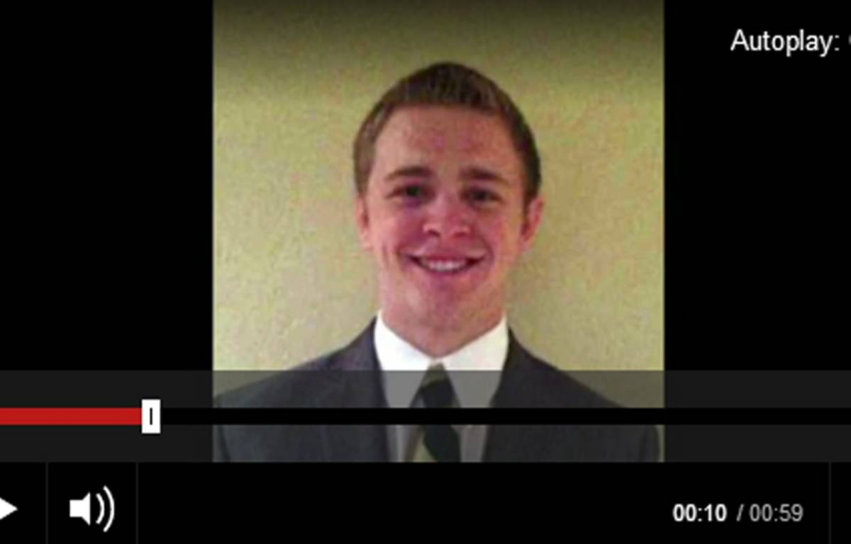 Mason Wells, 19 ans, est l'un des trois missionnaires mormons à avoir été bléssé à l'aéroport de Bruxelles. – Capture d'écran / BBC News