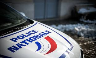 Illustration d'une voiture de police nationale.