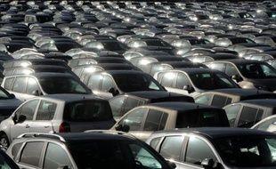 2012 a été une année noire pour le marché automobile français, avec un effondrement des ventes de voitures neuves qui pèse surtout sur les constructeurs français et 2013 ne s'annonce guère meilleure, a averti mercredi le Comité des constructeurs français d'automobiles (CCFA).