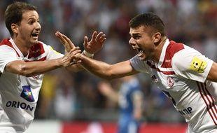 Antonio Mance (à droite).