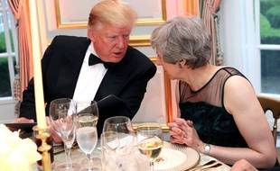 Donald Trump et Theresa May lors d'un dîner à Londres, le 4 juin 2019.
