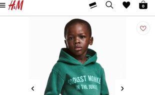 Capture écran du site marchant H&M avec l'image polémique et qualifiée de raciste