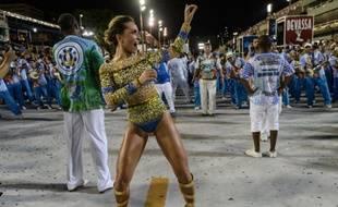 A Rio, depuis des semaines, les écoles de samba répètent pour le carnaval qui commence vendredi 28 février 2014.