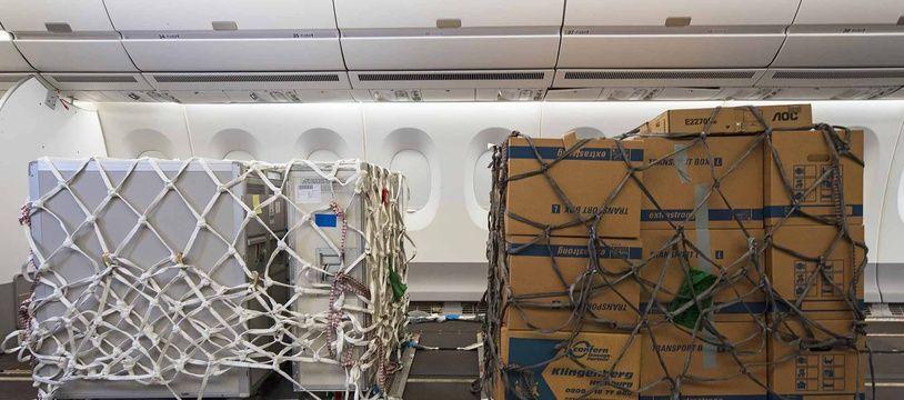 L'aménagement proposé par Airbus pour transporter du fret dans l'espace cabine.
