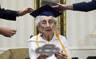 Margaret Thome Bekema a obtenu son diplôme du lycée le 29 octobre 2015, à l'âge de 97 ans, aux Etats-Unis.