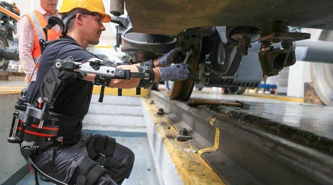 Un exosquelette donne un coup de main aux agents de la SNCF