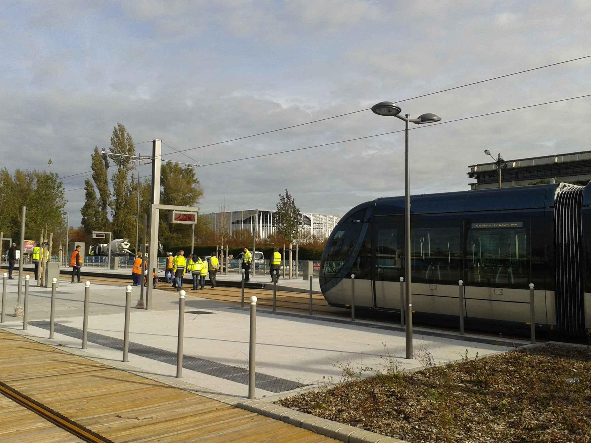 bordeaux des essais jusqu 39 au nouveau stade pour le tram c. Black Bedroom Furniture Sets. Home Design Ideas