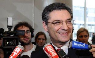 Les ex-ministres UMP Patrick Devedjian et Alain Madelin ont été déboutés par le tribunal de Paris de leur action en diffamation contre l'eurodéputé socialiste Vincent Peillon, qu'ils poursuivaient pour avoir évoqué un fait divers auquel ils ont été mêlés en 1965.