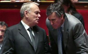 """Le Premier ministre Jean-Marc Ayrault a affirmé, lors d'un entretien à paraître mercredi dans le quotidien régional la Provence, qu'il y avait """"toujours et partout"""" des """"brebis galeuses"""", que la """"transparence"""" n'empêchera pas d'exister, après l'affaire Cahuzac."""