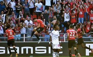 Le défenseur du Stade Rennais Ramy Bensebaini célèbre son but face à Bordeaux, le 2 septembre 2018.