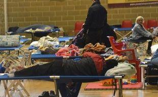 L'état de catastrophe naturelle a été proclamé mardi dans la région du nord-est de l'Italie frappée par le séisme de dimanche où plus de 5.000 personnes, sans toit ou réticentes à l'idée de rentrer chez elles, sont hébergées dans des campements de fortune.