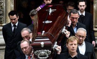 Les obsèques de la navigatrice Florence Arthaud, le 30 mars 2015, à Paris.