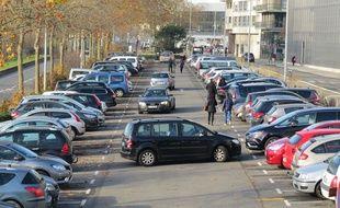 Stationner son véhicule représente un véritable budget à Lille (illustration).