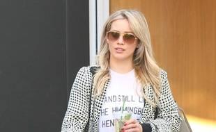 L'actrice Hilary Duff fait du shopping à Melrose Place à West Hollywood, le 22 décembre 2014.