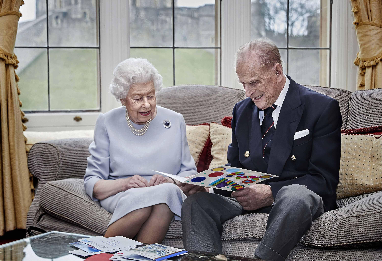 Le Prince Philipp et son épouse, la reine Elizabeth II, au château de Windsor en novembre 2020.