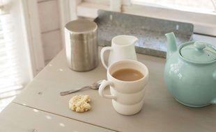Du thé et des biscuits.
