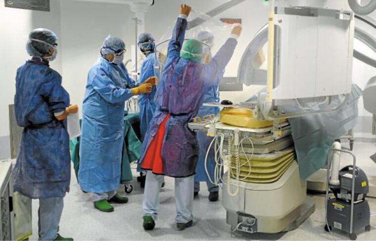 Les Hôpitaux universitaires de Strasbourg envisagent près d'un millier de recrutements.
