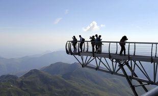 Le ponton dans le ciel, au Pic du Midi de Bigorre.