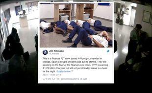 Des membres de l'équipage de Ryanair semblant dormir à même le sol.