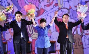 Park Geun-Hye, la fille d'un ancien président-dictateur resté près de 20 ans à la tête de la Corée du Sud, a été officiellement investie lundi par le parti conservateur au pouvoir pour être sa candidate à la présidentielle de fin 2012.