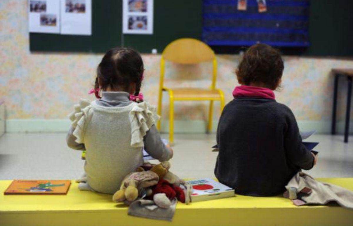 Deux petits enfants d'une école maternelle dans le sud de la France – ERIC CABANIS AFP