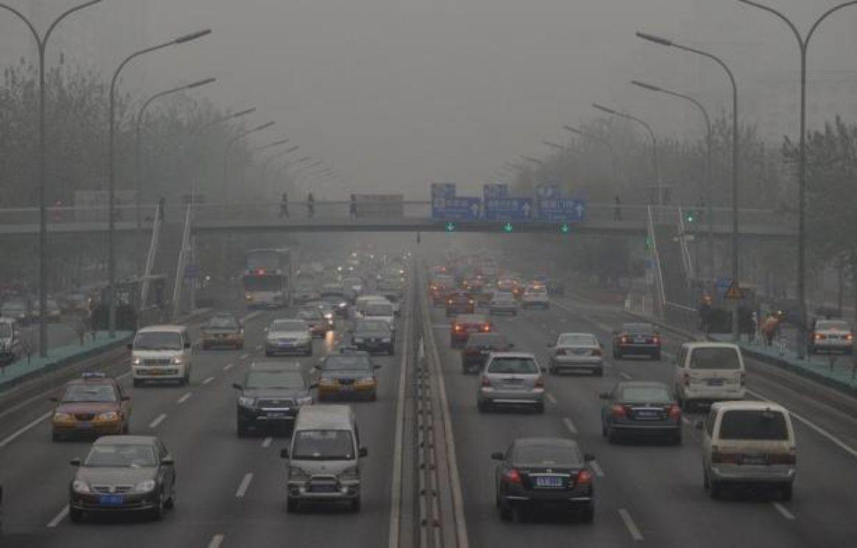 Le gouvernement chinois a ordonné mercredi la mise en place d'ici la fin de l'année dans les principales villes chinoises de mesures de pollution atmosphérique prenant en compte les particules les plus dangereuses pour la santé. – Mark Ralston afp.com