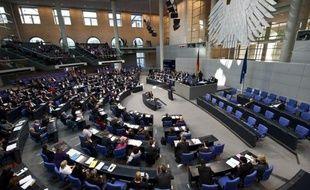 """Le Parlement allemand devait adopter jeudi une résolution réclamant que soit clarifiée la légalité de la circoncision religieuse, remise en cause par une décision de justice, une initiative """"courageuse"""" des députés, selon le ministre des Affaires étrangères."""