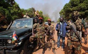 """Les rebelles centrafricains du Séléka qui ont forcé vendredi à la mi-journée le dernier verrou sur la route de Bangui, sont aux portes de la capitale """"à quelques kilomètres"""", et l'attaque pourrait être imminente."""
