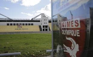 Le stade des Costières, jugé obsolète, a été vendu par la ville à rani Assaf, propriétaire de Nîmes Olympique,  pour 8 millions d'euros.
