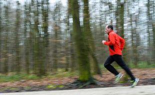 Reprendre le sport après un infarctus serait bénéfique (illustration).