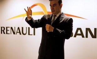 """Des salariés du technocentre de Renault à Guyancourt, dont une majorité de cadres qui travaillent sur la conception des voitures, critiquaient mercredi la """"mauvaise performance"""" des patrons, au lendemain de l'annonce de 7.500 suppressions de postes."""