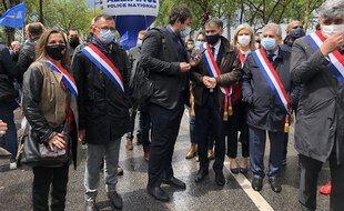 Olivier Faure à la manifestation policière devant l'Assemblée nationale à Paris.