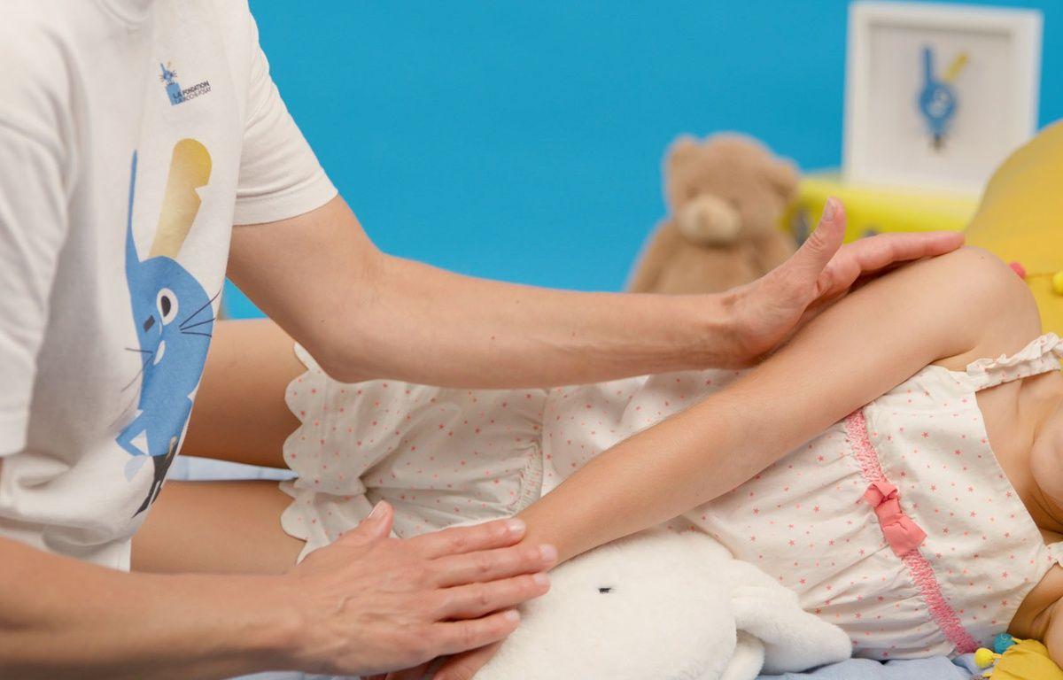 Des massages ludiques pour soulager les enfants atteints de cancers et leurs parents