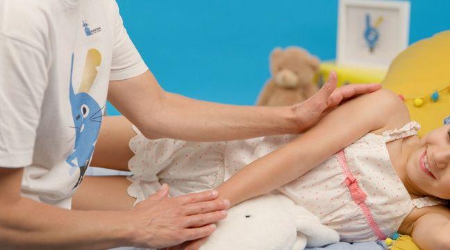 Les hôpitaux adoptent des massages ludiques pour aider les enfants malades