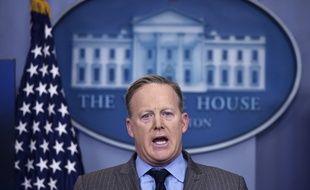 Sean Spicer, porte parole de la Maison-Blanche, a accusé les médias lors de sa 1re conférence de presse de minimiser le nombre de participants à l'investiture de Trump.
