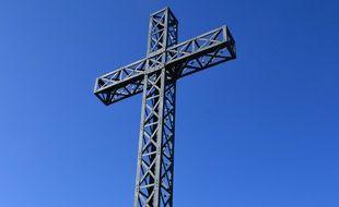La croix du Pic Saint-Loup s'élevait à 9,50 mètres de haut.