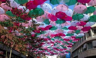 Le toit de parapluie déployé à l'occasion de la 1ere édition du Wops festival.