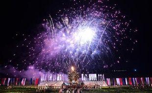Spectacle pyrotechnique donné à la fin de la commémoration des 200 ans de la bataille de Waterloo, le 18 juin 2015 à Waterloo, en Belgique