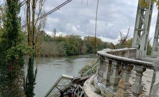 Le pont de Mirepoix-sur-Tarn s'est effondré, le 18 novembre 2019.