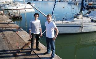 A Bordeaux, le 7 juillet 2014, les deux crÈateurs du site de location de bateaux entre particuliers  appelÈ Samboat.