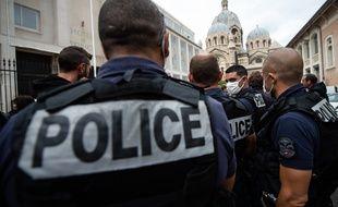 Illustration de policiers à Marseille