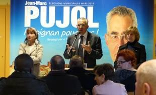 Jean-Marc Pujol, maire UMP de Perpignan, en campagne pour les municipales, le 3 mars 2014 dans le quartier Saint-Gaudérique de Perpignan.