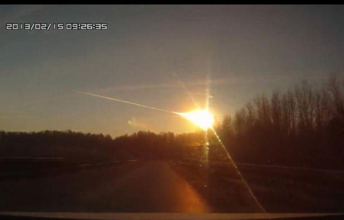 Pluie de météorites en Russie, le 15 février 2013. – Capture d'écran/Youtube