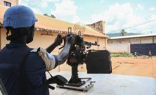 Un soldat de la MINUSCA à Bangui en Centrafrique en octobre 2015.